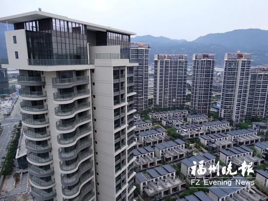 近期福州楼市走势引发关注,这是江滨东大道上的一个楼盘。