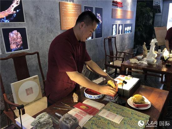 寿山石雕(记者贾文婷 摄)