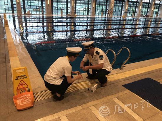厦门抽检游泳场所水质 13家不合格
