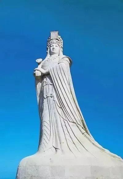 莆田湄洲岛妈祖像。 朱庆福 摄