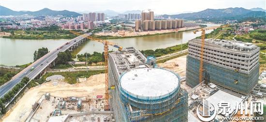 南安市医院新院区主楼主体结构已封顶 将建设直升机平台