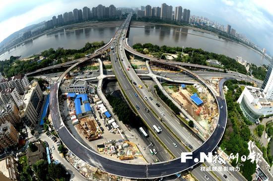 尤溪洲北桥头互通立交改造3条匝道主体结构已完成。