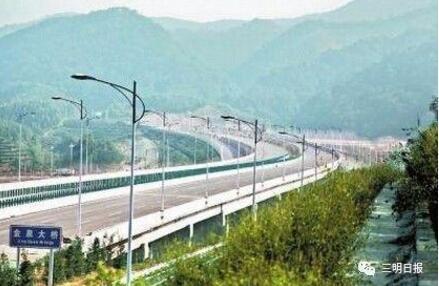 最新消息,三明城市快速通道项目二期也已开工建设。记者这就带你去看看,它将怎么方便我们的出行~