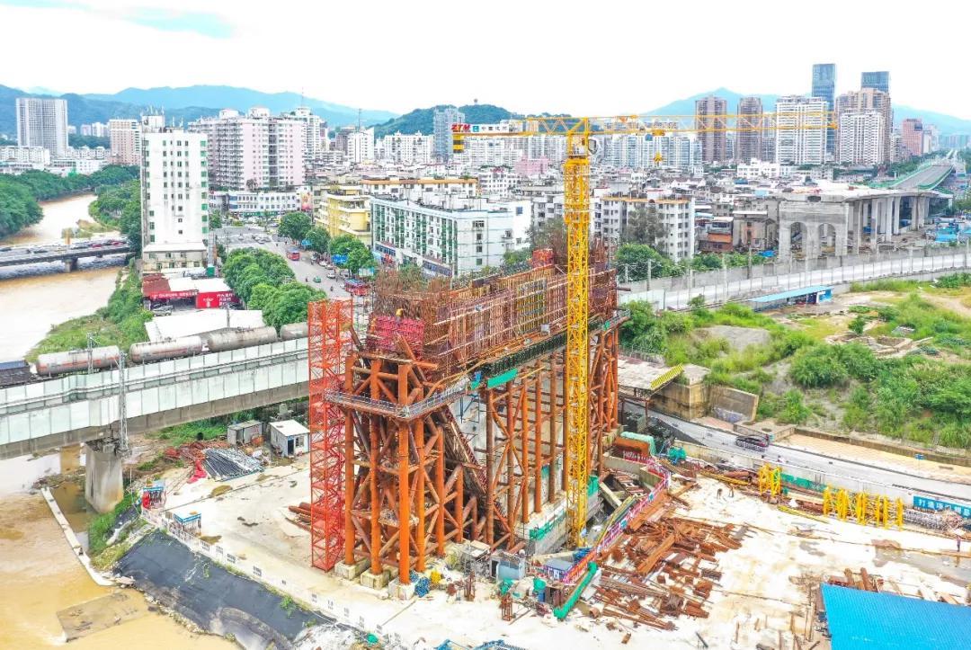 龙岩大桥项目建设现场(资料图)|陈律全 摄