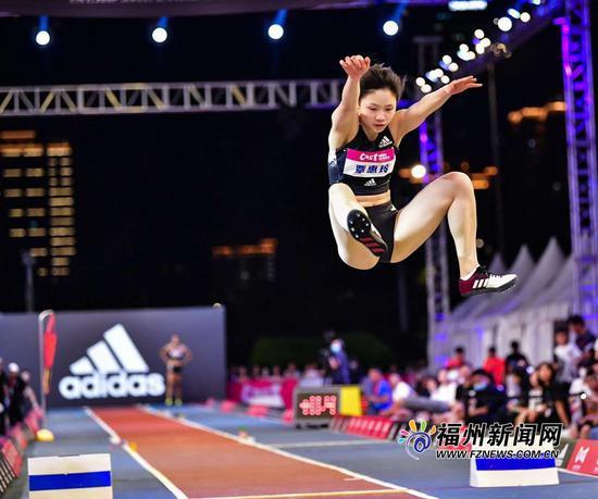 中国田径街头巡回赛南京站 福州覃惠玲夺女子跳远金牌