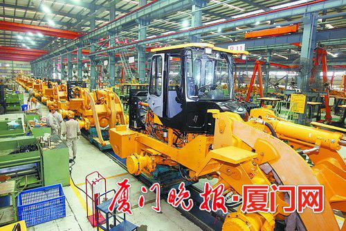 ■厦门厦工机械股份有限公司生产车间。 陈立新 摄