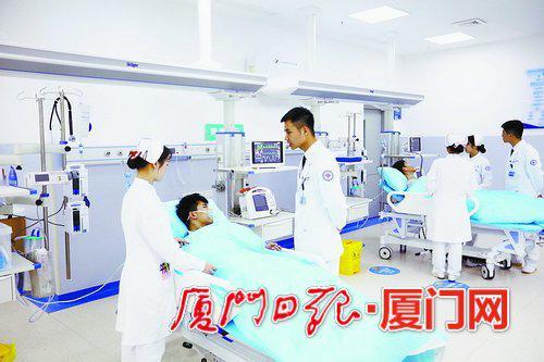 厦大附属翔安医院急诊科接诊患者无缝对接。