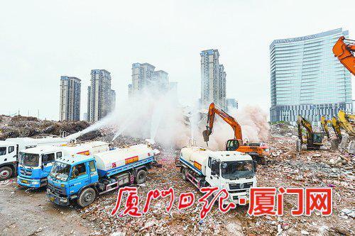 3月14日,下忠社旧村改造项目最后一栋旧房屋完成拆除。(厦门日报社全媒体记者 林铭鸿 摄)