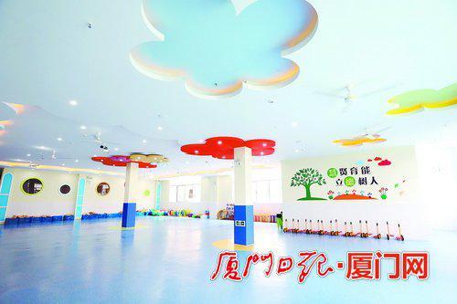 ▲经过整治的无证幼儿园面貌焕然一新。图为慧德幼儿园整治后的全新面貌。