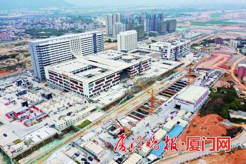 ■位于马銮湾医院旁的6号线施工现场。