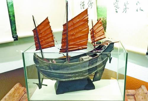 古船模型精美且完整。
