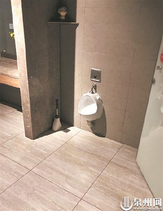 女厕设男童小便池引发网友热议 是便利还是尴尬?