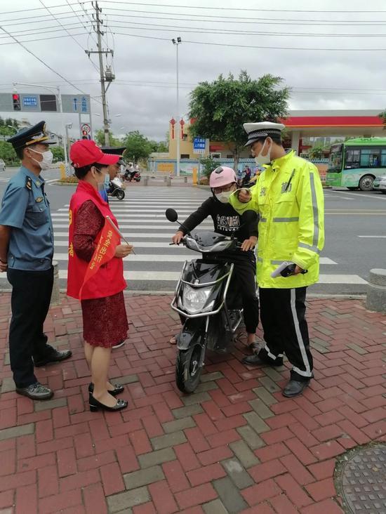 福州福清交通违法发朋友圈集赞免罚?交警:千真万确