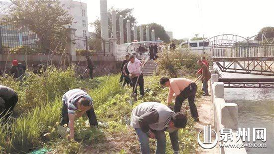 依法取缔水源保护区违章建筑物、农业种植点。