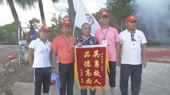 沙县泳协义务救生队8分钟救回溺水少年