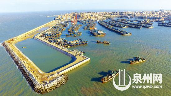 石狮祥芝国家中心渔港扩建工程项目胸墙浇筑完毕