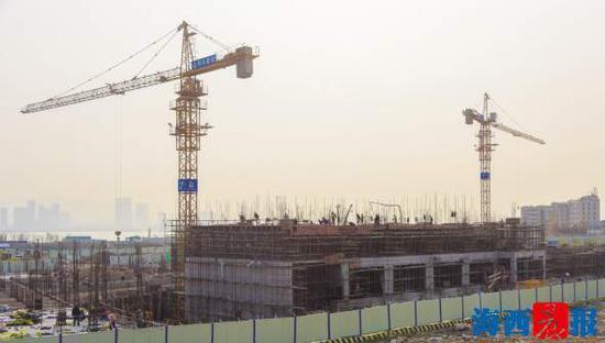 厦门华锐双语学校正在加快建设。通?#23545;?林志杰 摄