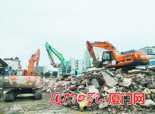 湖里街道原污水处理厂配套项目地块内的违法建设被依法拆除。