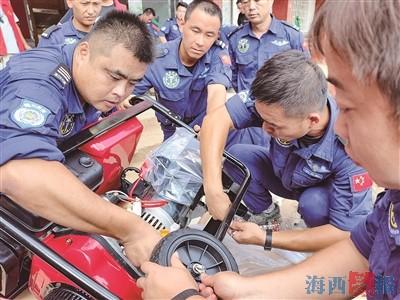 多支福建救援队全力以赴 厦门曙光在河南的285个小时