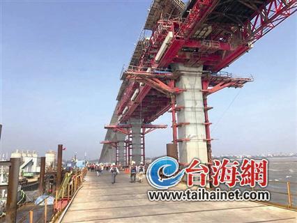 """▲根据厦金大桥最新形成的初步方案,""""厦门本岛—小金门—大金门""""路线被舍弃。图为正在建设中的金门大桥(连接大金门与小金门),该桥预计2021年5月完工"""
