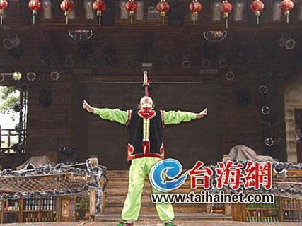 ▲李丰年当年的舞台表演照