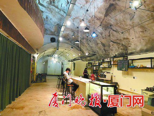 ■鸿山步行隧道里的咖啡厅试营业。