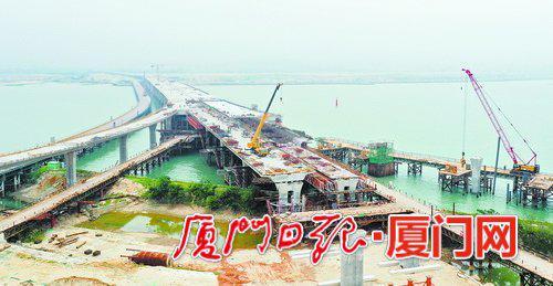 重点控制性工程南港特大桥完成箱梁浇筑。(本组图/厦门日报记者 王协云 摄)