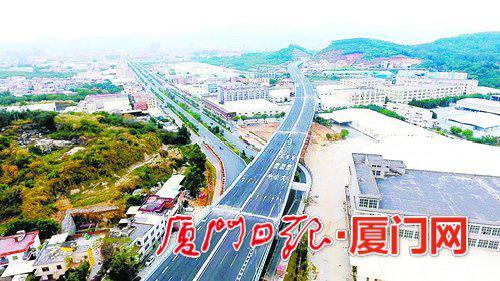 厦漳同城大道角美段锦宅特大桥与海翔大道连接。