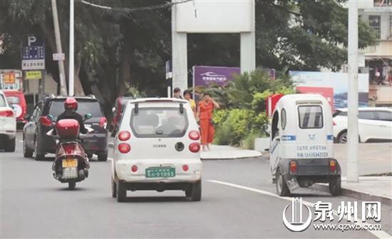 驾驶违规低速电动车隐患大。
