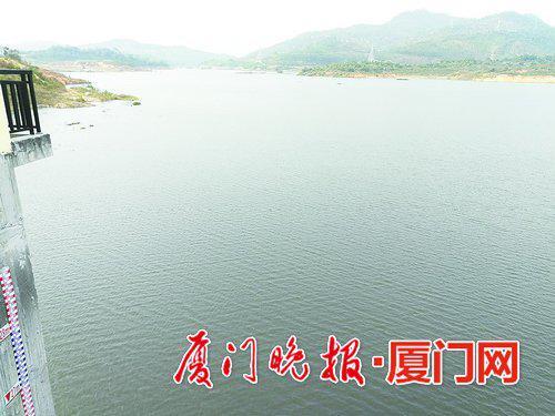 -冲库后蓄水的厦门莲花水库水位达到18.5米。