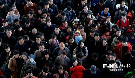 春节假期福州火车站发送旅客超46万人次