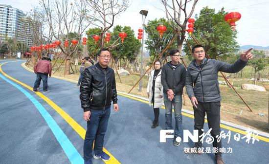 晋安公园建设方与园林管理部门紧密配合推进公园建设。记者 廖云岚 摄