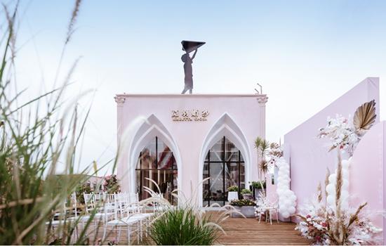 厦门首家花园陈列式国际名品婚纱博物馆觅羽婚纱正式开业