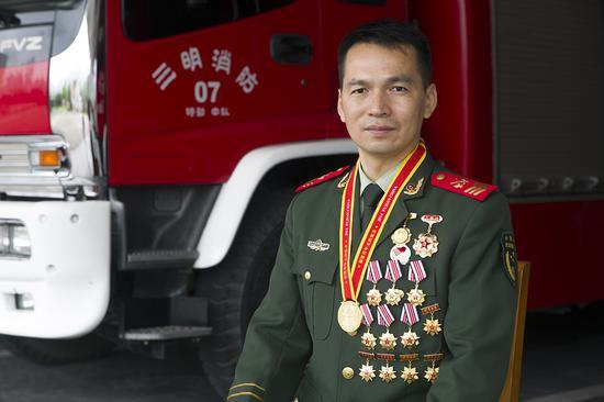 在烈火中淬炼成钢 ——三明消防支队特勤中队刘灿华先进事迹