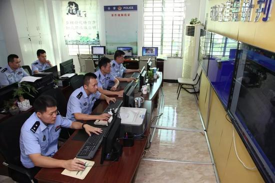 惠安县公安局刑侦大队奔袭1800余公里 抓获2名在逃人员