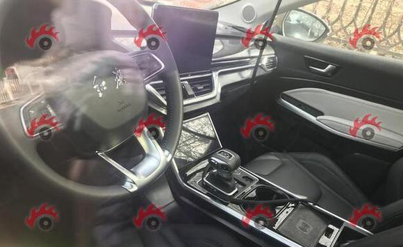 红旗全新SUV伪装车曝光 或为红旗HS5