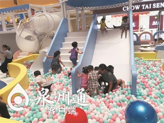 儿童游乐园很受孩子欢迎。