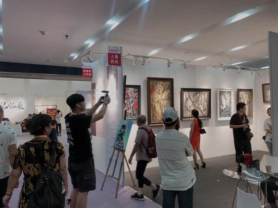 厦门新锐美女艺术家上美西舟参展2019中国(厦门)国际收藏投资博览会