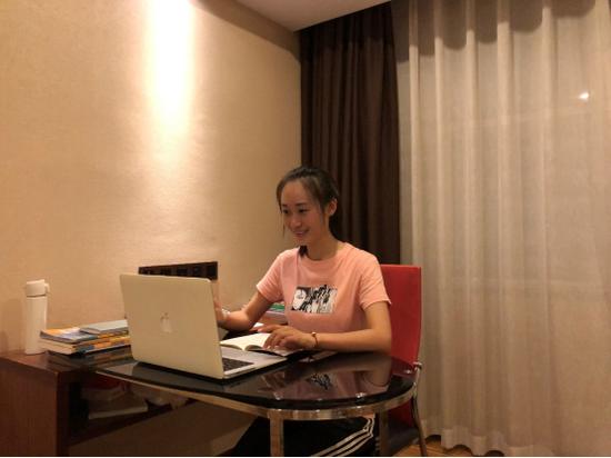 能上网课也能当知心姐姐! 翔安隔离专班党员给学生上网课