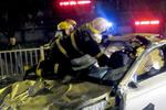 福州一宝马车雨夜失控撞断护栏 驾驶员当场身亡