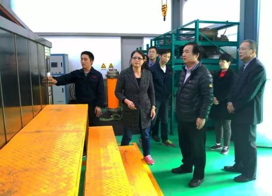 中石化北京化工研究院组团到恒杰指导交流。企业供图