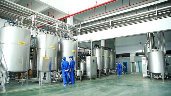 仙洋洋食品已经成为国内许多品牌企业的茶粉、茶浓缩液等原料的供应商。(企业供图)