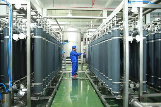 福建仙洋洋食品科技有限公司的生产车间。(企业供图)
