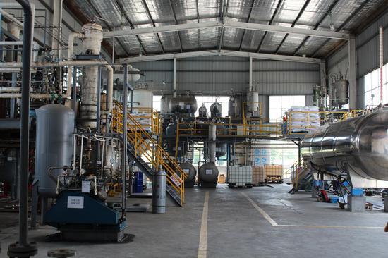六氟异丙基甲醚生产车间(受访企业供图)