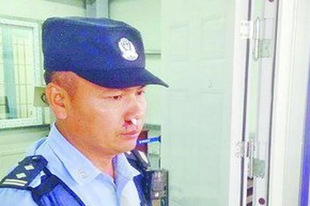 厦门:施工挖破管道天然气泄漏 交警捏着鼻子救人