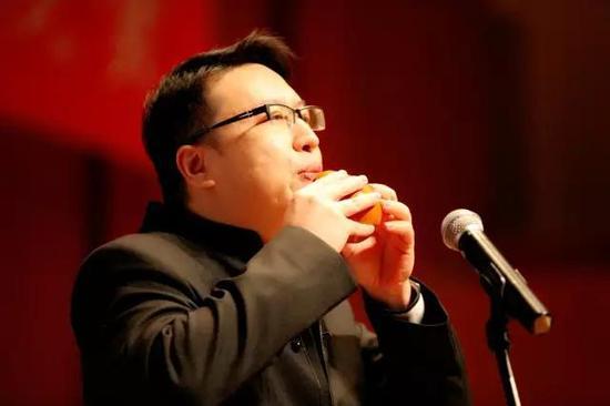 中国著名陶埙演奏家:赵亮