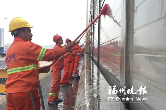 """福州南三环等路段市政设施""""美容"""" 修复翻新17条重点道路"""