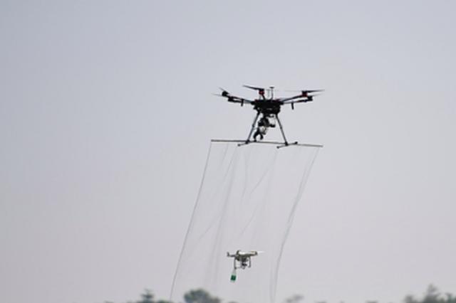 福建首次演练警用无人机战法 900多名民警参加演练