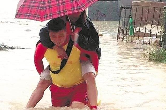南安:司机醉驾连撞三人致一死两伤 死者系救援队队员