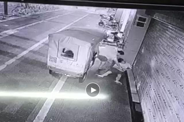 三轮车司机顺走醉汉手机,被漳州芗城警方抓获